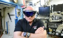 hololens-in-space-760x500